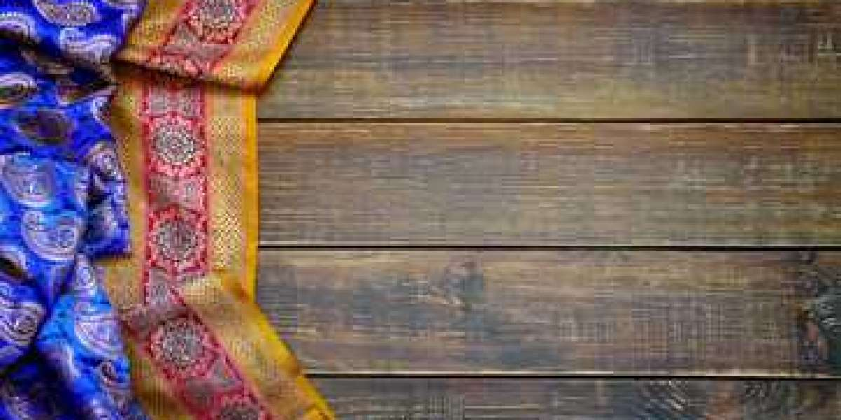 Tips to Select the Right Saree That Suits You